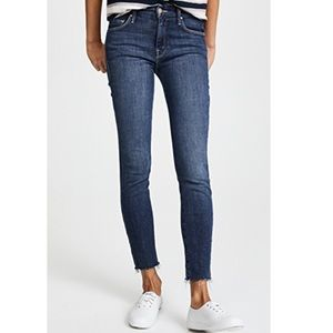 Mother Looker Ankle fray in Girl Crush size 28
